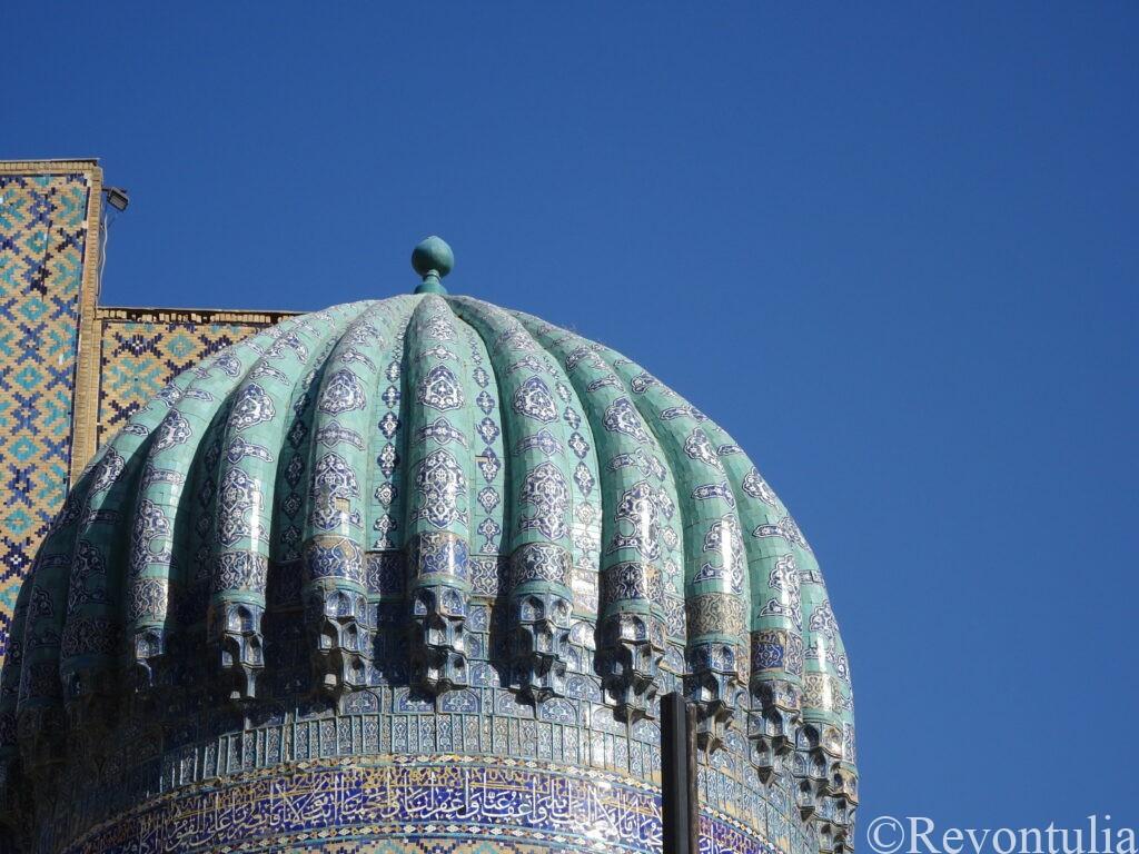 サマルカンドの霊廟の青いドーム